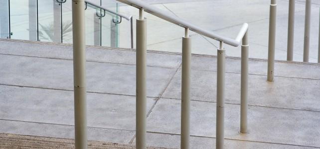 Иноксови парапети за конзолни и вити стълбища